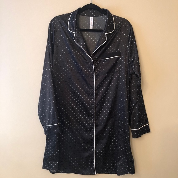 Gilligan & O'Malley Other - Gilligan O'Malley Black Dot Satin Sleep Shirt Sz L